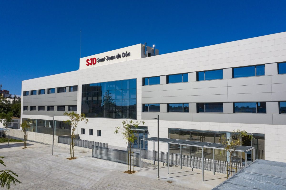 Fachada-Hospital-Inca-1200x799.jpg